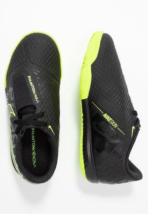 PHANTOM ACADEMY IC - Chaussures de foot en salle - black/volt