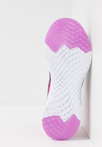 Nike Performance - EPIC REACT FLYKNIT 2 - Chaussures de running neutres - black/white/pink blast/vivid purple - 5