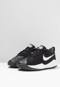 Nike Performance - TEAM HUSTLE QUICK 2 - Basketball shoes - black/white/anthracite/volt - 3