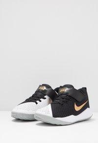 Nike Performance - TEAM HUSTLE QUICK 2 - Chaussures de basket - black/metallic gold/light smoke grey/white - 3