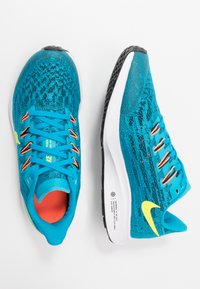 Nike Performance - AIR ZOOM PEGASUS 36 - Hardloopschoenen neutraal - laser blue/lemon/black/hyper crimson - 0