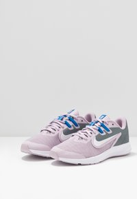 Nike Performance - DOWNSHIFTER 9 - Hardloopschoenen neutraal - iced lilac/white/smoke grey/soar - 3