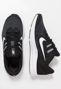 Nike Performance - DOWNSHIFTER 9 - Hardloopschoenen neutraal - black/white/anthracite/cool grey - 0