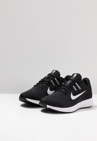 Nike Performance - DOWNSHIFTER 9 - Hardloopschoenen neutraal - black/white/anthracite/cool grey - 3