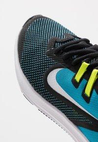 Nike Performance - DOWNSHIFTER 9 - Hardloopschoenen neutraal - black/white/laser blue/lemon - 2