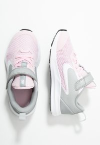 Nike Performance - DOWNSHIFTER 9  - Obuwie do biegania treningowe - pink foam/white/metallic silver/pure platinum - 1