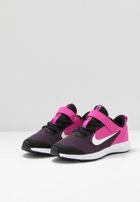 Nike Performance - DOWNSHIFTER 9  - Laufschuh Neutral - black/white/active fuchsia - 3