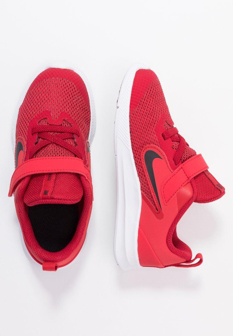 Nike Performance - DOWNSHIFTER 9 - Neutrala löparskor - gym red/black/university red/white