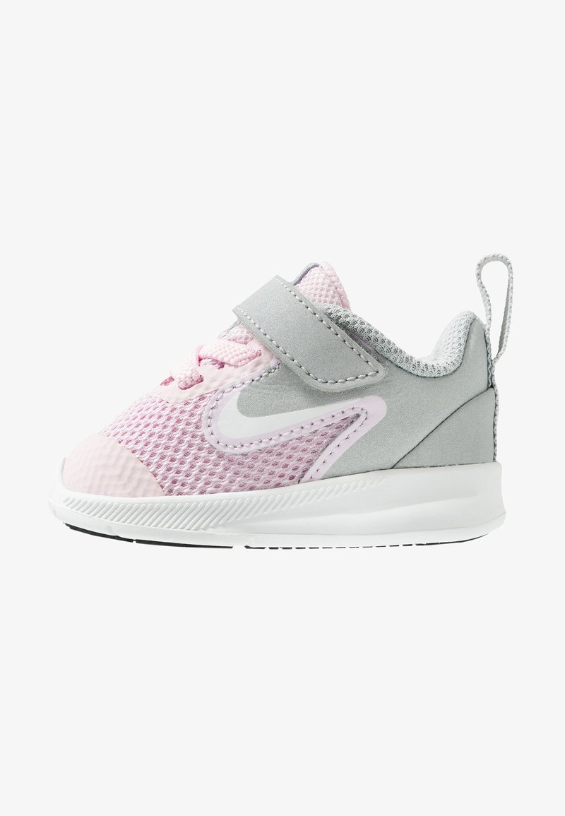 Nike Performance - DOWNSHIFTER 9 - Laufschuh Neutral - pink foam/white/metallic silver/pure platinum