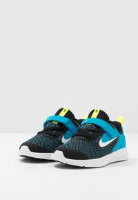 Nike Performance - DOWNSHIFTER - Hardloopschoenen neutraal - black/white/laser blue/lemon - 3