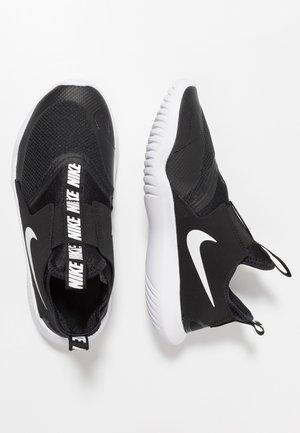 FLEX RUNNER - Chaussures de running compétition - black/white