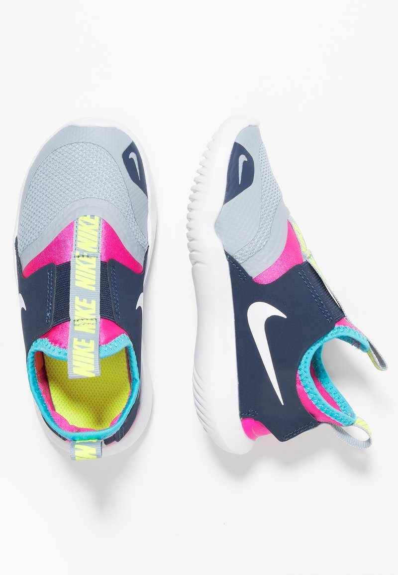 Nike Performance - FLEX RUNNER - Neutrální běžecké boty - obsidian mist/white/laser fuchsia