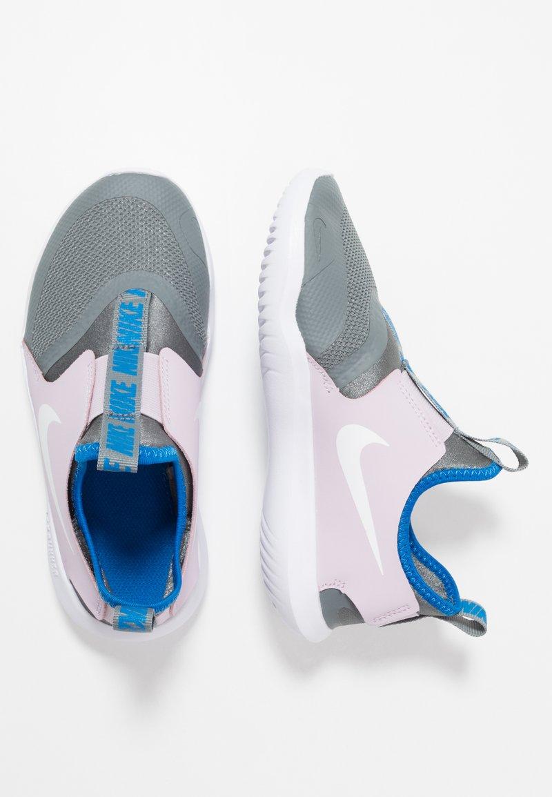 Nike Performance - FLEX RUNNER - Obuwie do biegania treningowe - iced lilac/white/smoke grey/soar