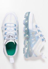 Nike Performance - AIR VAPORMAX 2019 - Scarpe running neutre - white/metallic silver/psychic blue/half blue - 0