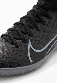 Nike Performance - MERCURIAL 7 ACADEMY IC - Halówki - black/metallic cool grey/cool grey - 2