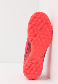 Nike Performance - MERCURIAL 7 ACADEMY TF - Voetbalschoenen voor kunstgras - laser crimson/black/laser crimson - 5