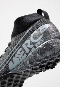 Nike Performance - 7 ACADEMY TF - Korki Turfy - black/metallic cool grey/cool grey - 2