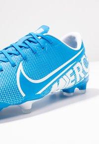 Nike Performance - VAPOR 13 ACADEMY FG/MG - Botas de fútbol con tacos - blue hero/white/obsidian - 5