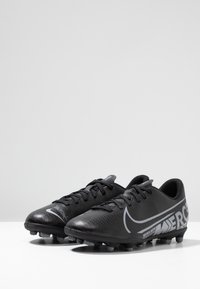 Nike Performance - JR VAPOR 13 CLUB FG/MG - Scarpe da calcetto con tacchetti - black/metallic cool grey/cool grey - 3