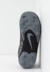 Nike Performance - VAPOR 13 CLUB MG  - Fußballschuh Nocken - black/metallic cool grey/cool grey - 5