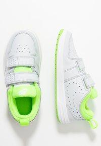 Nike Performance - PICO 5 - Scarpe da fitness - pure platinum/electric green/white - 1