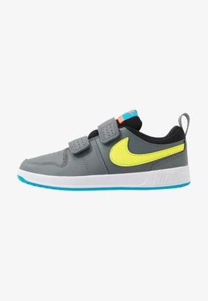 PICO 5 - Zapatillas de entrenamiento - smoke grey/lemon/laser blue/hyper crimson