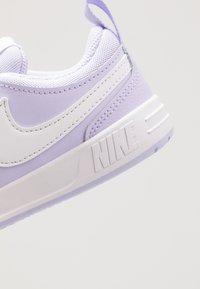 Nike Performance - PICO 5 - Obuwie treningowe - lavender mist/white - 2