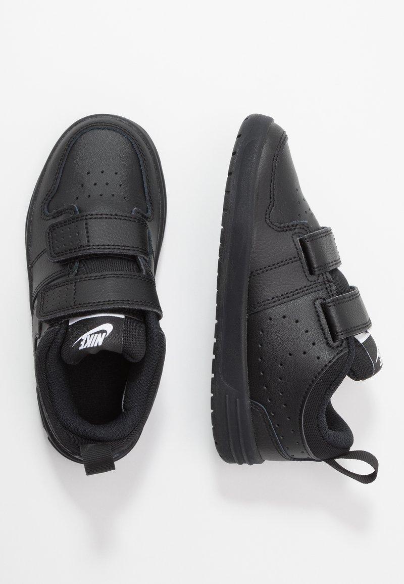 Nike Performance - PICO 5 - Sportschoenen - black