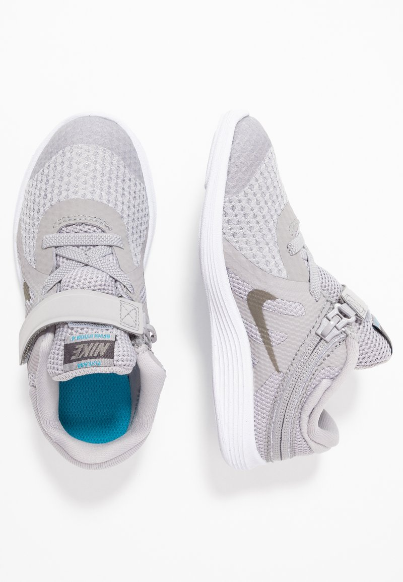 Nike Performance - REVOLUTION 4 FLYEASE - Neutral running shoes - atmosphere grey/metallic pewter-thunder grey-lt current blue