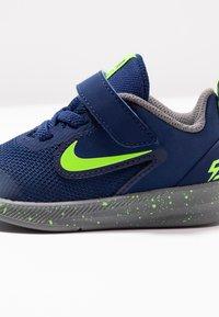 Nike Performance - DOWNSHIFTER 9 RW TDV - Scarpe running neutre - blue void/electric green/gunsmoke - 2