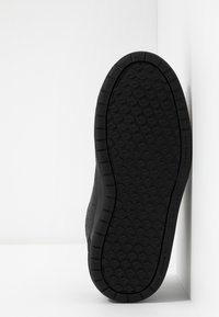 Nike Performance - PICO - Zapatillas - black