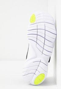 Nike Performance - FREE RN 5.0 - Scarpa da corsa neutra - black/white/anthracite/volt - 4