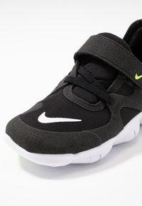 Nike Performance - FREE RN 5.0 - Minimalist running shoes - black/white/anthracite/volt - 5