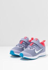 Nike Performance - DOWNSHIFTER 9 - Nøytrale løpesko - stellar indigo/white/indigo haze/blue hero - 2