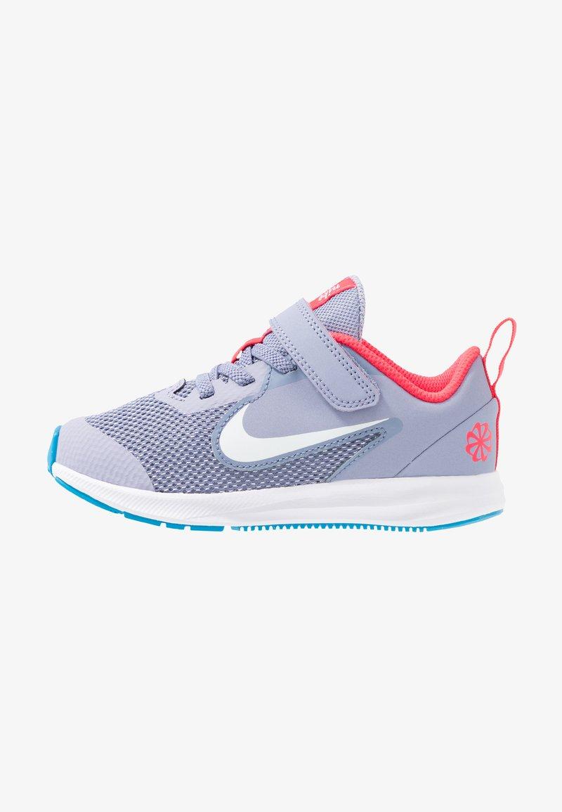 Nike Performance - DOWNSHIFTER 9 - Obuwie do biegania treningowe - stellar indigo/white/indigo haze/blue hero