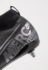 Nike Performance - MERCURIAL JR 7 ACADEMY SG - Voetbalschoenen met kunststof noppen - black/metallic cool grey/cool grey - 2