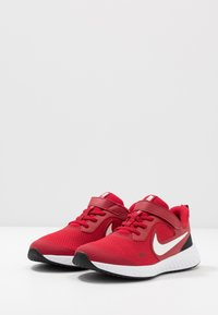 Nike Performance - REVOLUTION 5 - Scarpe running neutre - gym red/white/black - 3