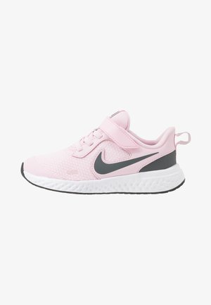 REVOLUTION 5 - Neutral running shoes - pink foam/dark grey