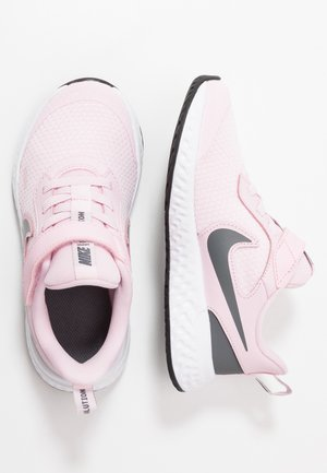 REVOLUTION 5 - Obuwie do biegania treningowe - pink foam/dark grey