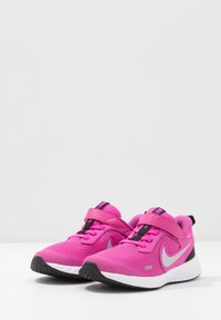 Nike Performance - Obuwie do biegania treningowe - active fuchsia/metallic silver/black - 2