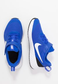 Nike Performance - REVOLUTION 5 - Obuwie do biegania treningowe - racer blue/white/black - 0