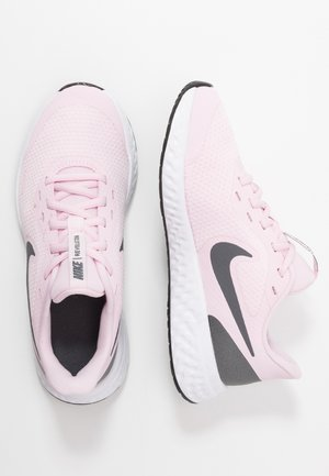 REVOLUTION 5 - Neutrala löparskor - pink foam/dark grey