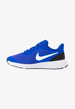 NIKE REVOLUTION 5 GS - Zapatillas de running neutras - racer blue/white-black
