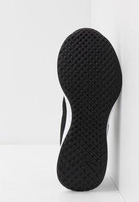 Nike Performance - NIKE REVOLUTION 5 GS - Juoksukenkä/neutraalit - black/white/anthracite - 5