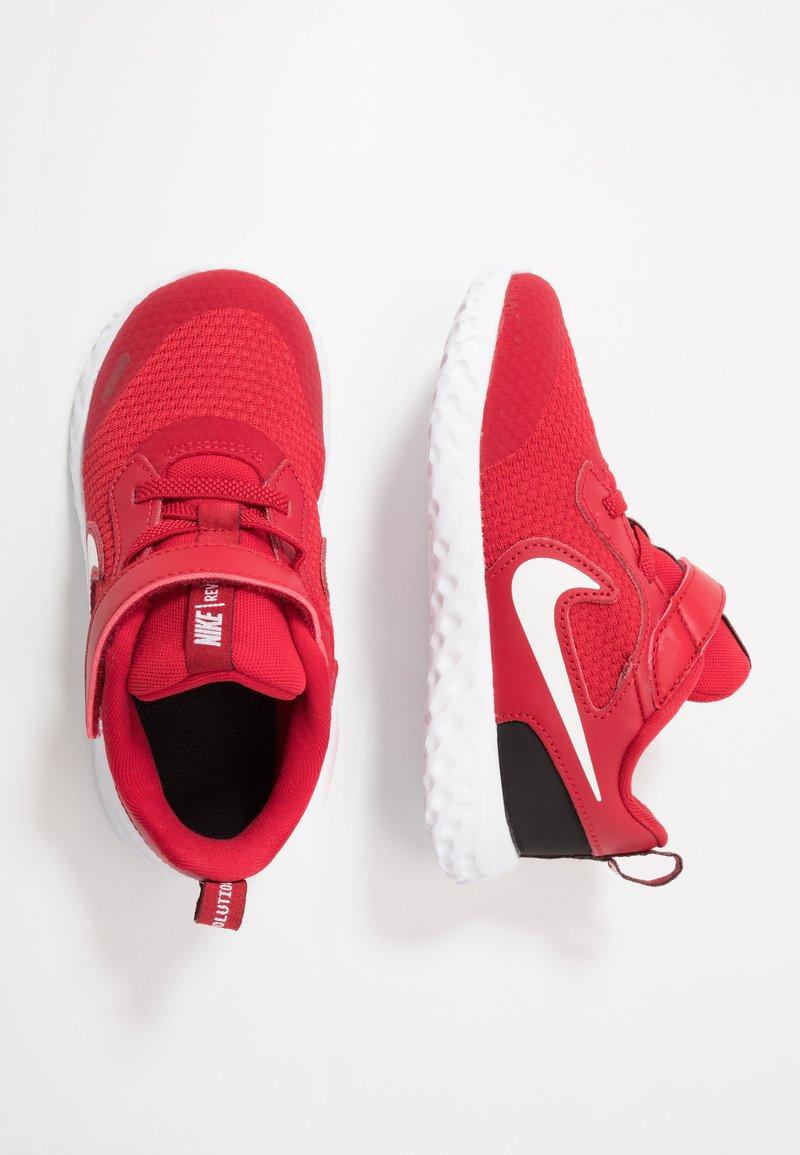 Nike Performance - REVOLUTION 5 - Obuwie do biegania treningowe - gym red/white/black