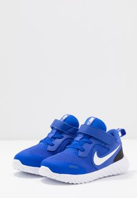 Nike Performance - REVOLUTION 5 - Obuwie do biegania treningowe - racer blue/white/black - 3