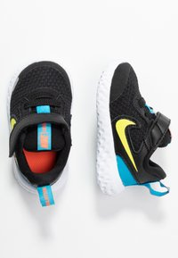 Nike Performance - REVOLUTION 5 TDV - Chaussures de running neutres - black/lemon/laser blue/hyper crimson - 0