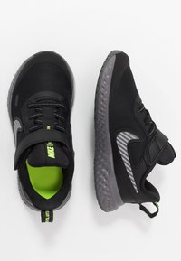 Nike Performance - REVOLUTION 5 - Scarpe running neutre - black/reflect silver/gunsmoke/volt - 0
