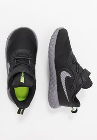 Nike Performance - REVOLUTION 5 - Chaussures de running neutres - black/reflective silver/gunsmoke/volt - 0