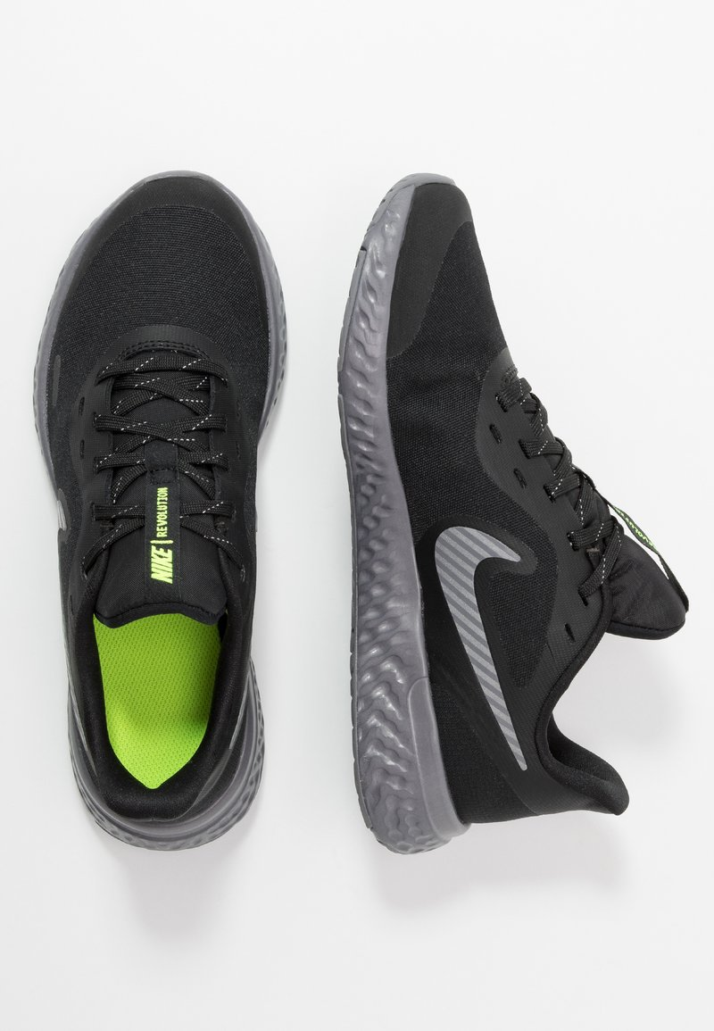 Nike Performance - REVOLUTION 5 - Hardloopschoenen neutraal - black/reflect silver/gunsmoke/volt